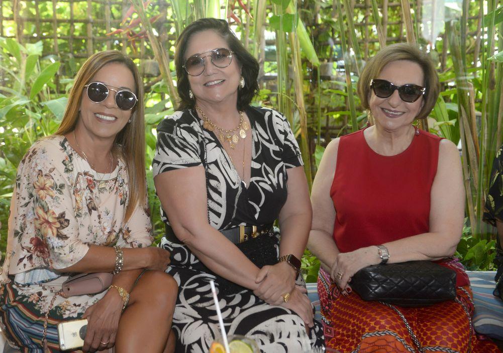 Celebridades almoçando e jantando no Amado, Soho, Lafayette, Das e Alfred di Roma no dia Internacional da Mulher