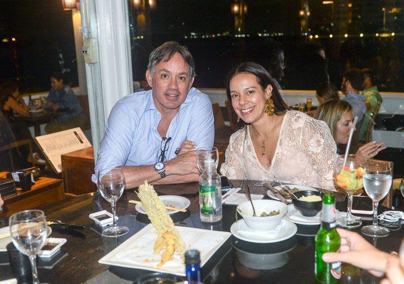 Veja celebridades jantando 23/10, nos restaurantes Amado, Soho, Lafayette e Chez Bernard