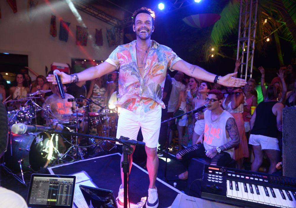 Alexandre Peixe fez Show Axezin neste sábado(18) na DOCA da Bahia Marina. Veja mais...