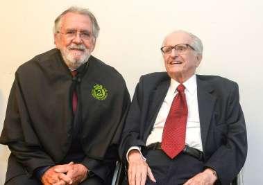 Dr. José Antonio e Prof.Roberto Figueira Santos em fotos de Valterio