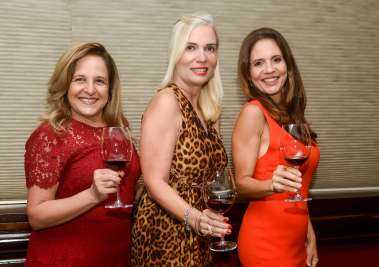 Leila Chamusca, Cláudia Del Rei e Isabela De Paula em fotos de Valterio