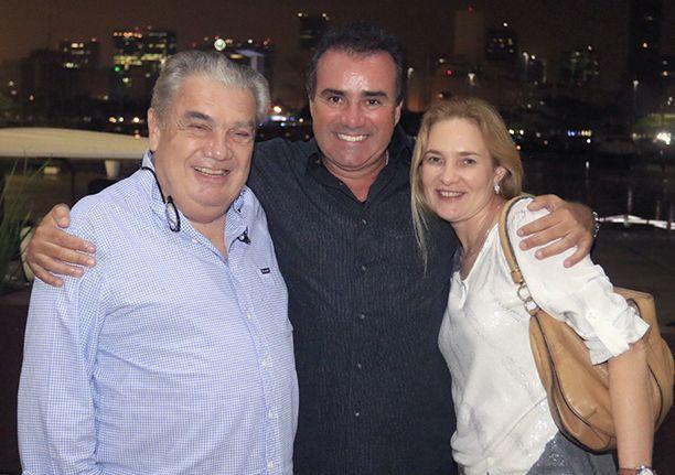 Mauríco Barreto do estaleiro francês Prestige recebeu amiagos no Soho da Bahia Marina