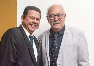 Comodoro Marcelo Sacramento e Antonio Fernandes Administrador do Yacht Clube da Bahia em fotos de Valterio