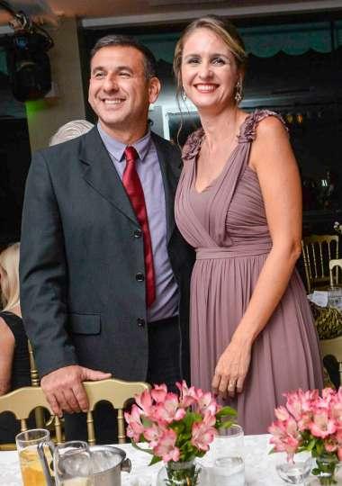 Márcio Amaral (Capitão dos Portos) e Ana Carina em fotos de valterio