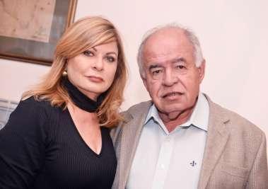 Mary e Prof. José Nilton Carvalho Pereira em fotos de Valteiro