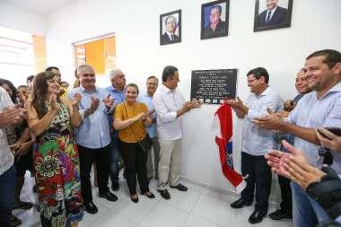 Coronel participa de inaugurações em Guanambi, e  companhia do governador Rui e do senador Otto Alencar