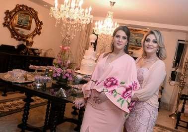 Renata com sua mãe Rosângela Barreto de Araújo