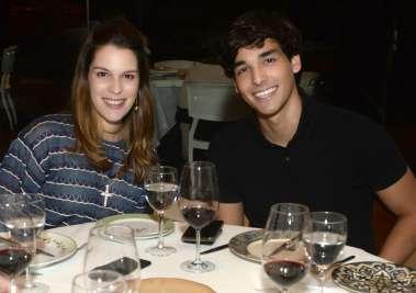 Stephanie Mattos e Caio Mattos jantando no Amado