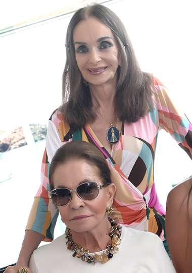 Verinha Luedy e Maria Helena Mendonça em fotos de valterio