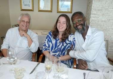 Edinho Engel, Bruna Cook e Mamadou Gaye Cônsul da França em fotos de Valterio