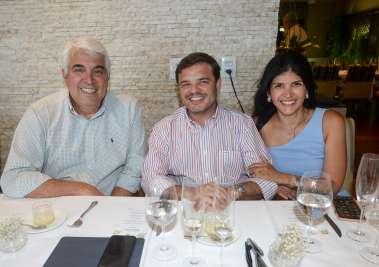 Firmo Borja, Roberto Calumby e Clara Lemos Calumby em fotos de Valterio