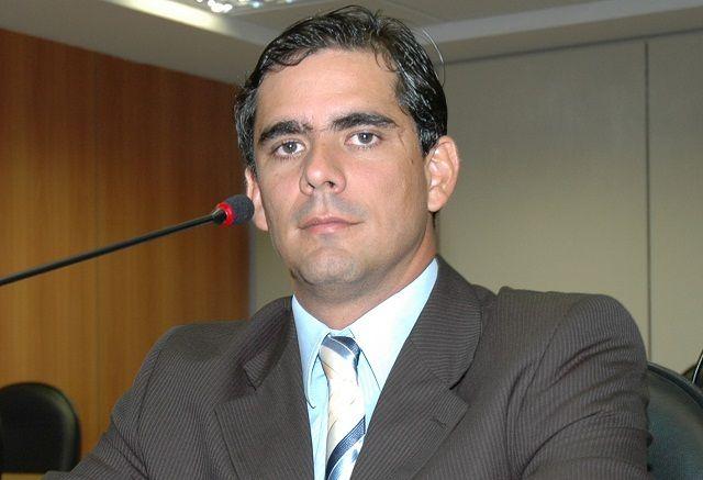 Leur Lomento Junior é reeleito deputado estadual.