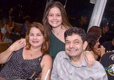 Felipe Rodrigues, Marcia e Catarina Rodrigues no Soho em fotos de Valterio Pacheco