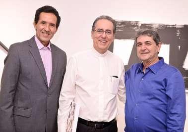 Claudio Moraes, Padre Luiz Simões da Vitória e Padre Darzé em fotos de Valterio