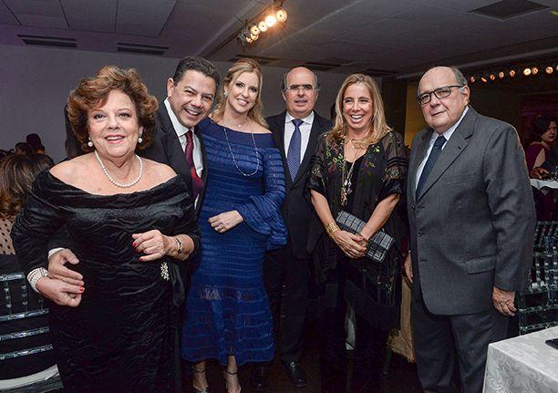 Os 83 anos do Yacht Clube foi comemorado com fasta dançante, Banda, cantores e degustações very special.Click pra ver...