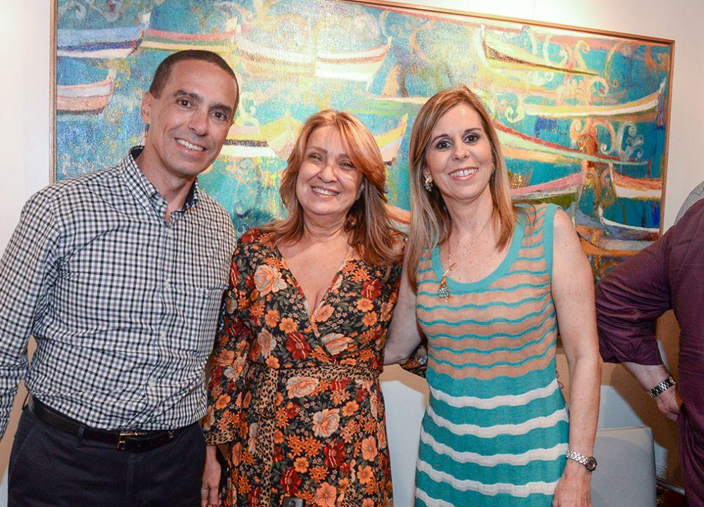 Fátima Tosta está expondo suas artes, as mais linda do mundo na MCR. Click pra ver