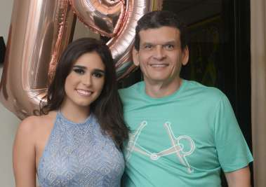 Paula Lemos com seu pai Paulo Lemos em dia do seu aniversário fotos de Valterio Pacheco