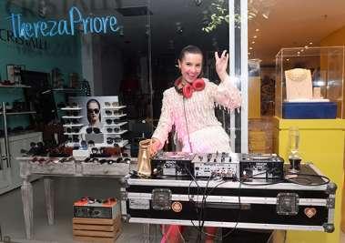 DJ Barbie em fotos de Valterio Pacheco