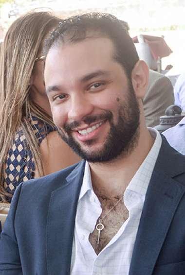 Rafael Freitas o anfitrião em fotos de Valterio
