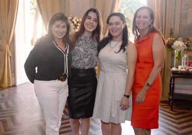 Lúcia Brandão, Aline Peixoto e Carolina Pedreira