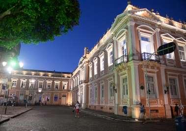Fachada da Academia e da antiga Faculdade de Medicina da Bahia