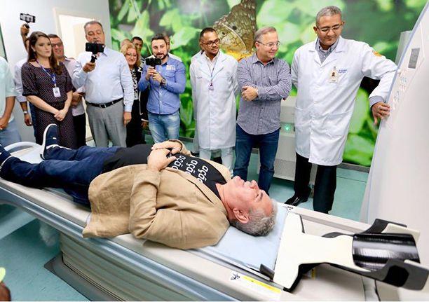 Em Feira de Santana, Angelo Coronel prega demissão do presidente da Petrobrás e renúncoa-já de Temer