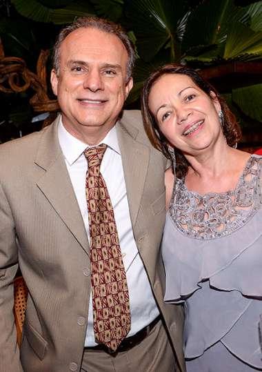 Amarilio S. Mattos Jr e senhora em fotos de Valterio