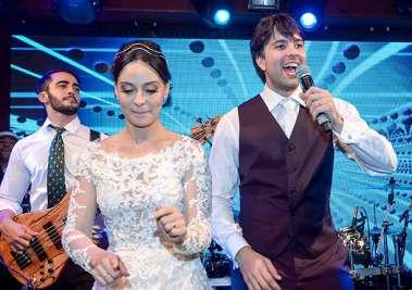 Os noivos Adriana Carreira e Gabriel Marques em fotos de Valterio