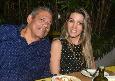 Marco Anton Ribeiro e Simone Silva em fotos de Valterio jantanto no Lafayette