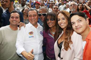 Aconteceu nesta terca-feira (14) na Cocha Acustica em Salvador o lançamento oficial do carnaval da Bahia com o Tema 50 anos do Tropicalismo.