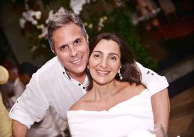 Filipe Phileto Soabrinho e Simone no Reveillon do Yacht Clube