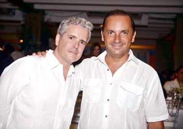 Consul da Espanha Sr. Gonzalo Tourniev com o Cônsul da Argentina Sr. Pablo Virasoro no Reveillon do Yacht Clube da Bahia