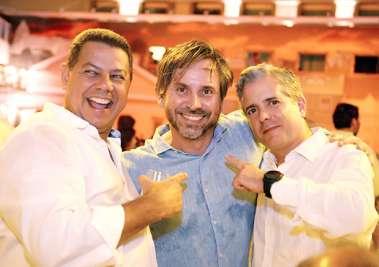 Marcelo Sacramento(comodoro do Yacht Clube), André Bautista e o Cônsul da Espanha na Bahia Sr. Gonzalo Tourniev
