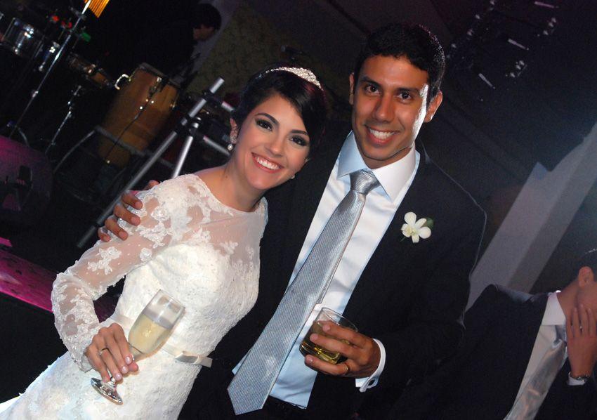Maurício Lemos e Alice Andrade se casaram ontem dia 19 na Pupileira