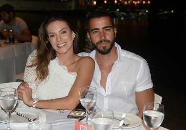 Rafa Marque jantnado no amado com seu amor