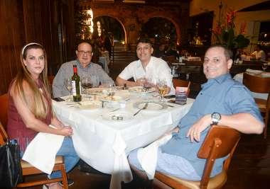 Dr. Eduardo Fahel jantanto no Amado em família