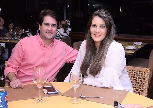 Veja quem jantou ontem dia 25 de maio nos restaurantes Veleiro, Amado Soho, Das e Lafayette. Click pra ver...