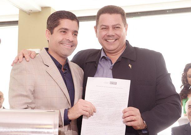 Marcelo Sacramento é reeleito por mais dois anos como comodoro do Iacht Clube da Bahia. Veja 150 fotos