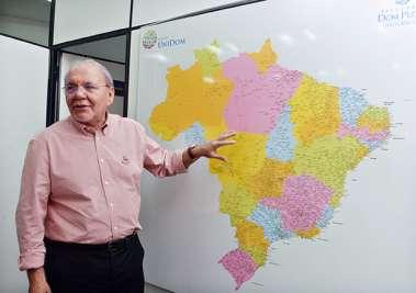 Luiz Brandão diretor presidente da UNIDOM é o destaque da educação na Bahia hoje. Veja mais...
