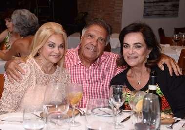 Regina Glauner, Tita e Carlos Geraldo no Amado em fotos de valterio Pacheco