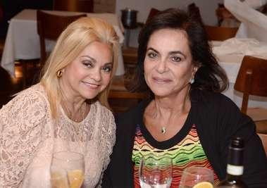 Regina Glauner com a prima Tita Souza em fotos de Valterio Pacheco