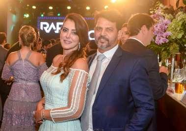 A mãe da noiva Marianna Di Domízio e Denis Guimarães em fotos de Valteiro