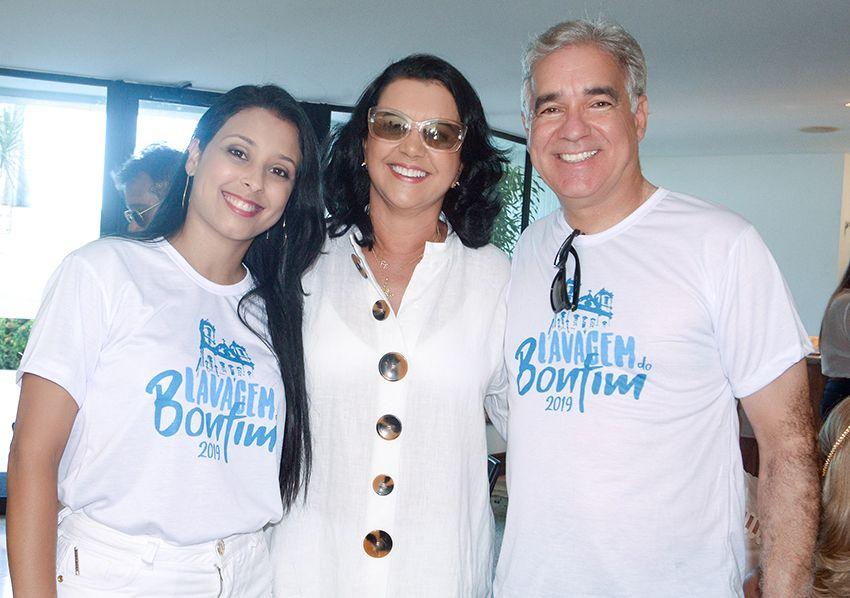 Ozana Barreto, recebendo Mariana e Zé Neto for you traditional breakfast, que acontece antes de sair para o Bonfim. Ver mais...