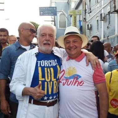 Jaques Wagner candidato a Senador pela Bahia e Fábio Vilas Boas no desfile do 2 de Julho