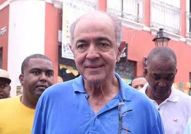 Deputado José Carlos Aleluia no desfile do 2 de Julho em fotos de Valteiro