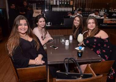 Carolina e Isabela Coelho, Malu Miranda e Duda Gavzza em fotos de Valterio