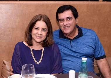 Bete Gordilho e Celso Carvalho no Soho em fotos de Valterio