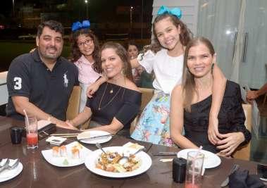 Alvaro Neder, Sara Neder, Maria e Clara Mandarino e Natália Mandarino em fotos de Valterio