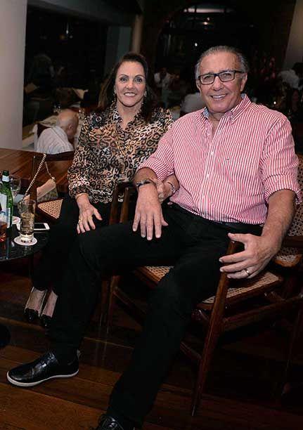 Celebridades jantando dia 14 de abril no Amado, Clique pra ver mais...