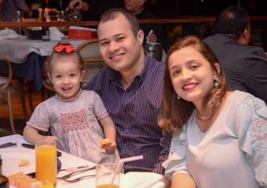 Prelle e Lucas Valente com Maria Eduarda Neta jantando no Rest. Veleiro